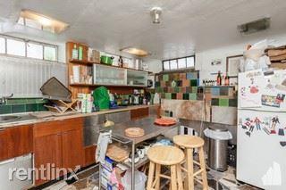 154 W Schiller St A/B, Chicago, IL - 1,700 USD/ month