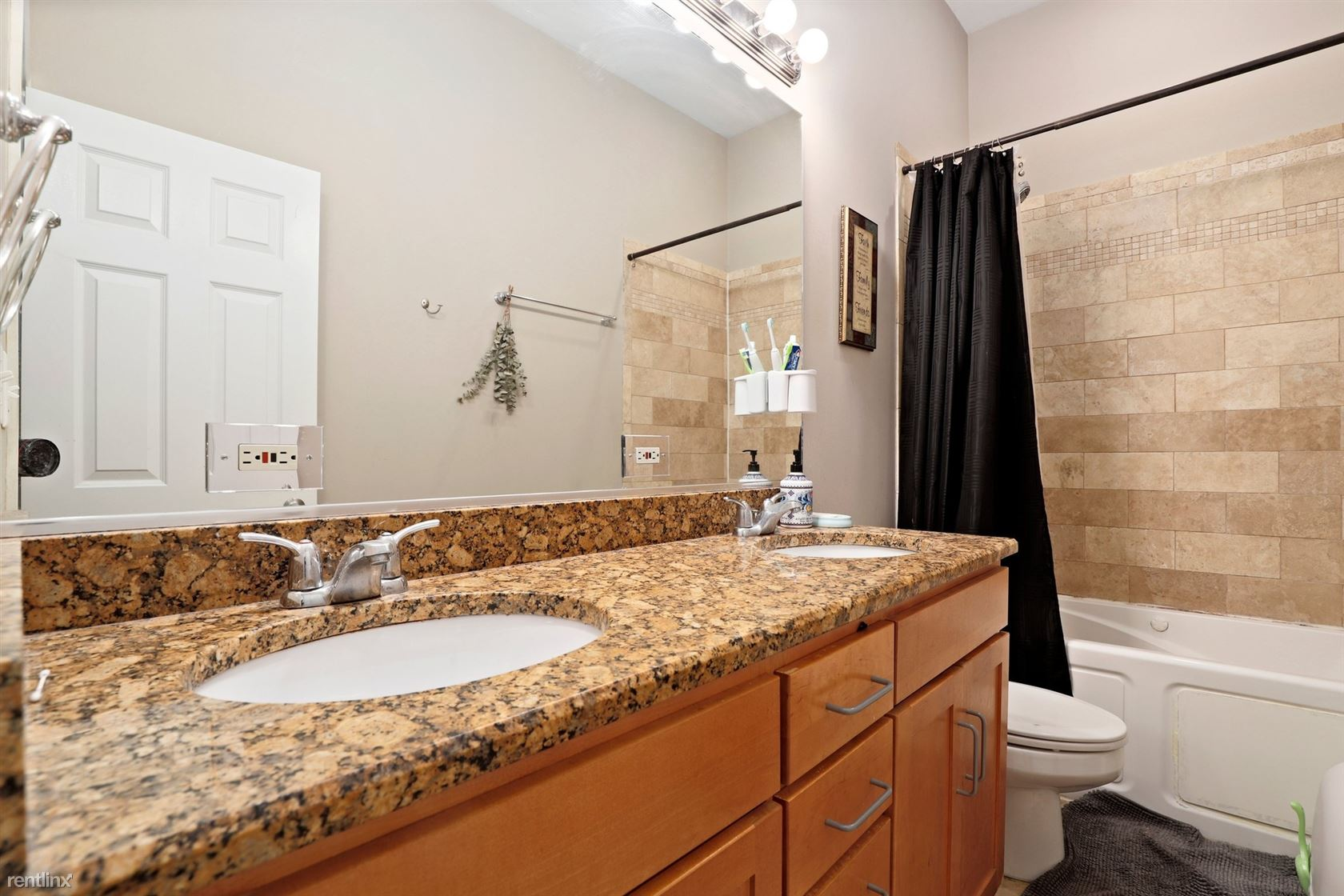 6149 S Greenwood Ave Apt 1S, Chicago, IL - 900 USD/ month