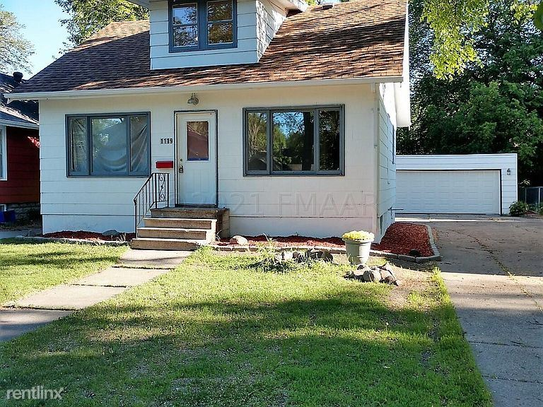 1119 9th Ave S, Fargo, ND - 900 USD/ month