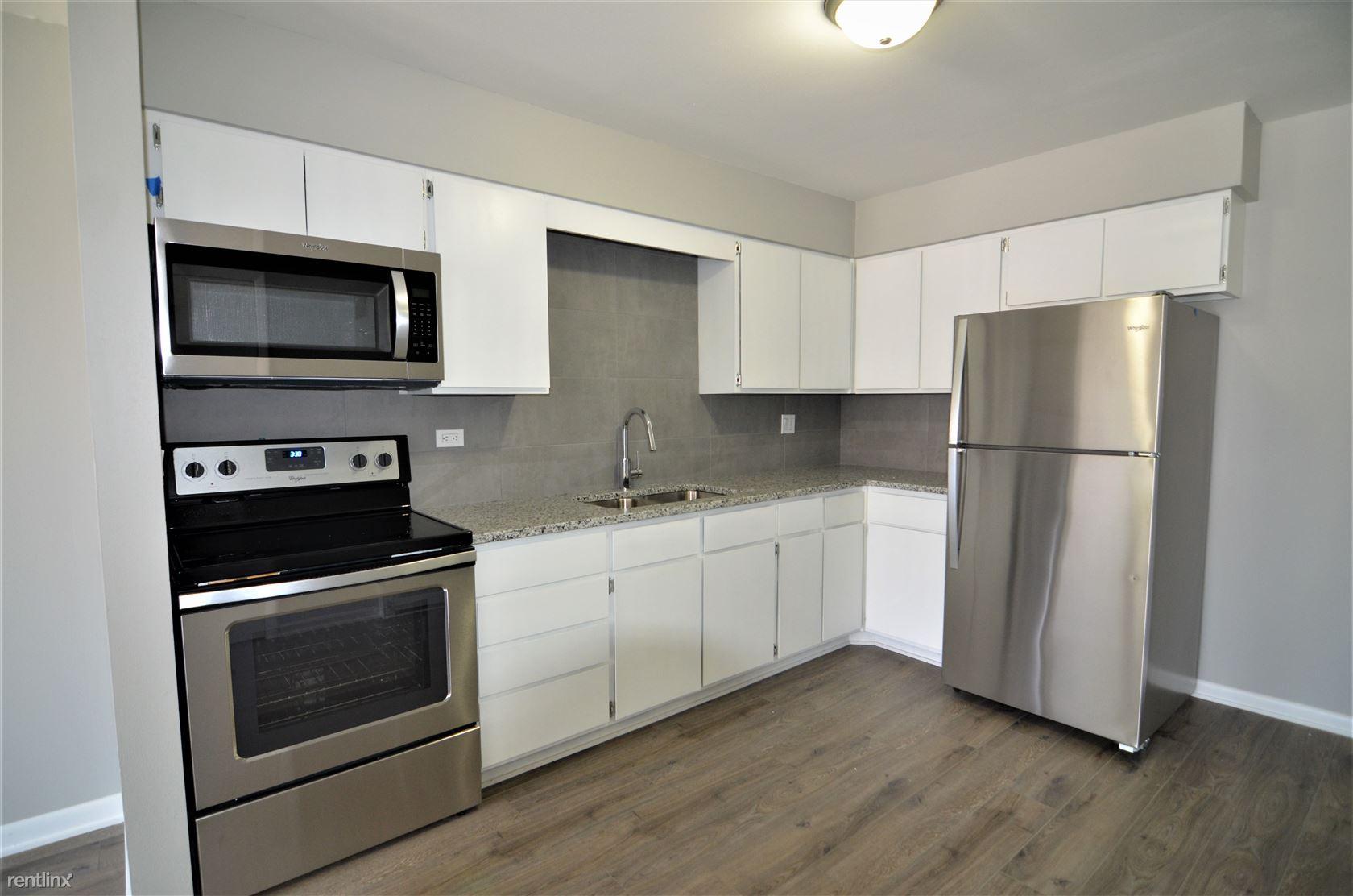 2617 Northfield Ave, Waukegan, IL - 1,050 USD/ month