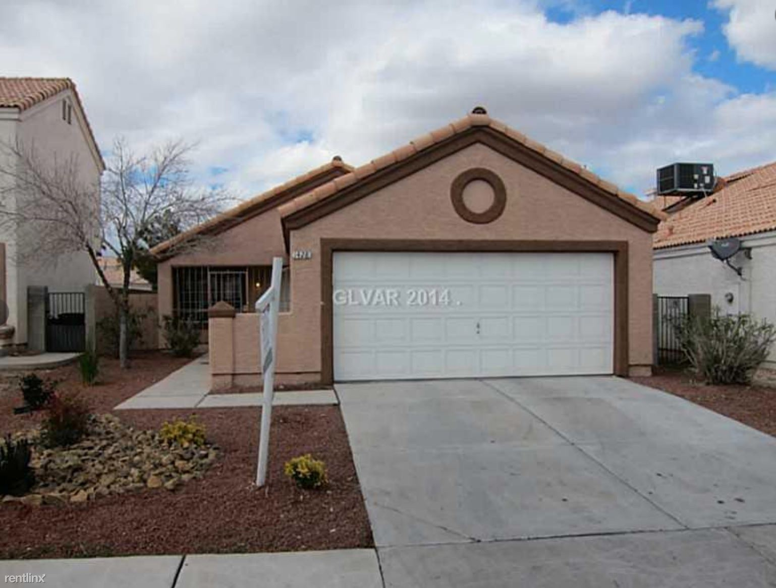 1428 Canyon Rose Way - 1900USD / month