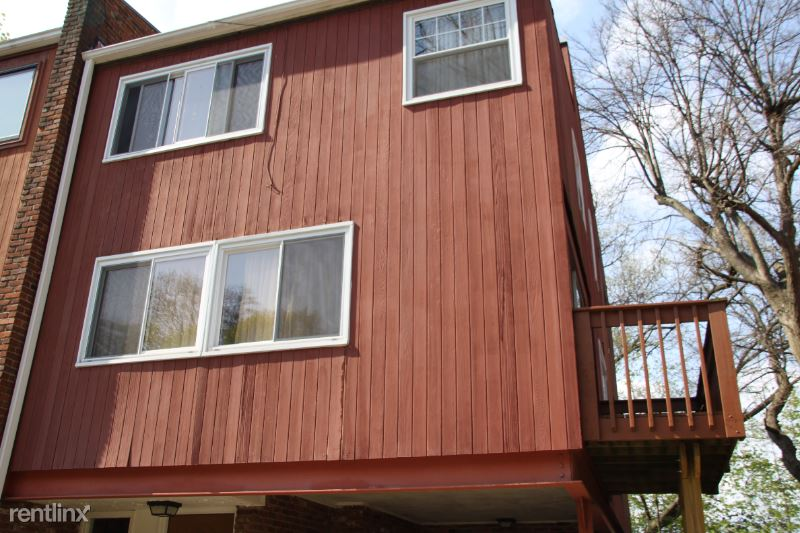 Maple Heights Rd, Pittsburgh, PA - 2,650 USD/ month