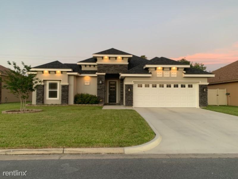 Knotty Pine Ln, Harlingen, TX - 1,800 USD/ month