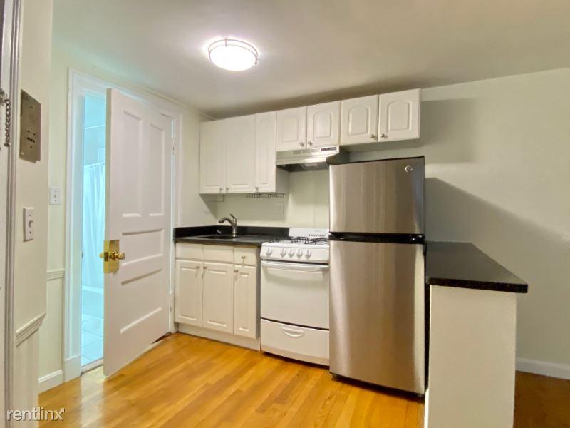 176 Commonwealth Ave 01, Boston, MA - 1,895 USD/ month