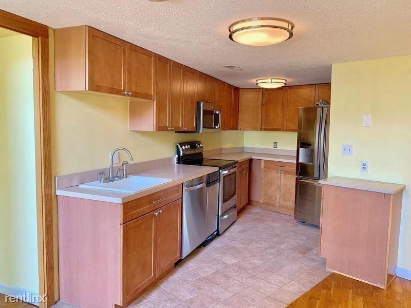 358 Main 1, Boston, MA - 2,800 USD/ month