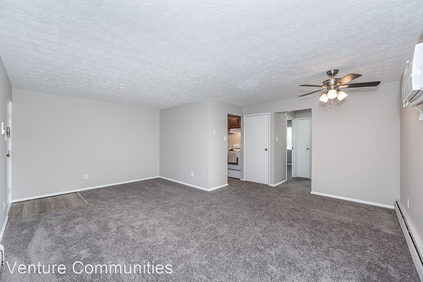 3208-3240 Midway Avenue - 950USD / month