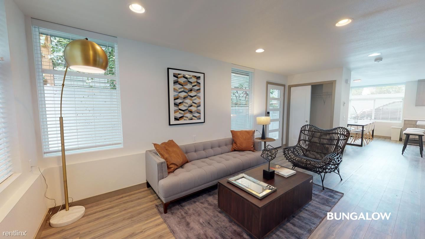 3308 Claremont Ave S, Seattle, WA - 715 USD/ month