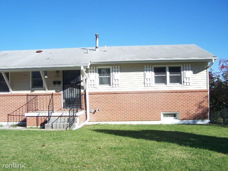 1523 Rockwell Dr, Junction City, KS - 1,100 USD/ month