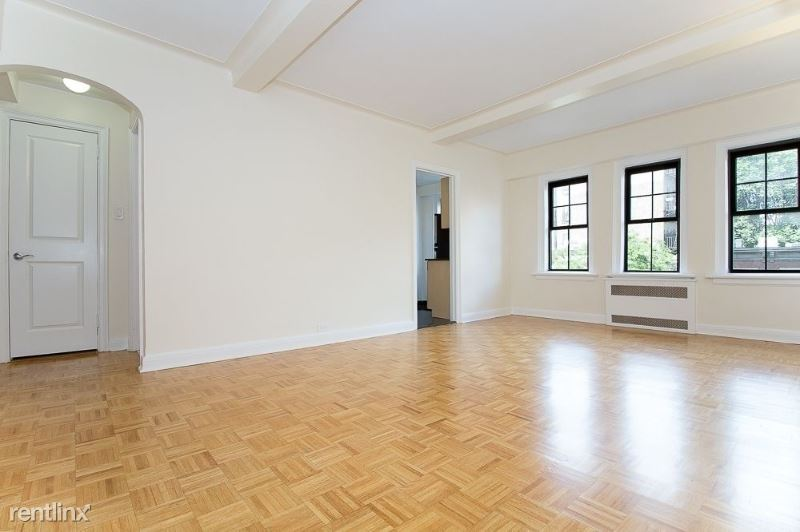 95 Christopher St, New York, NY - 3,400 USD/ month