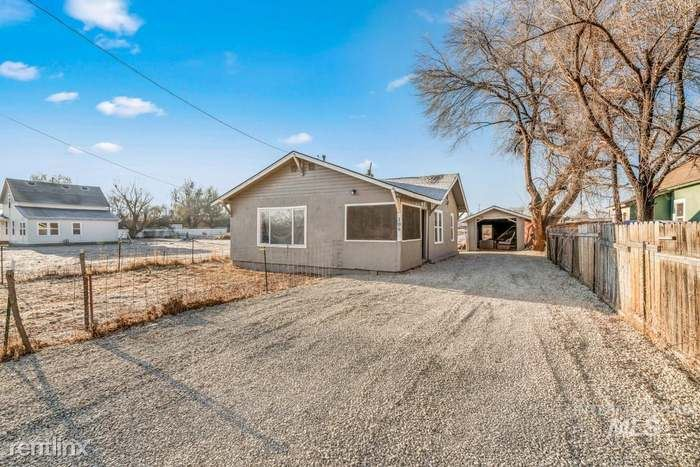 106 E Belmont St, Caldwell, ID - 1,850 USD/ month
