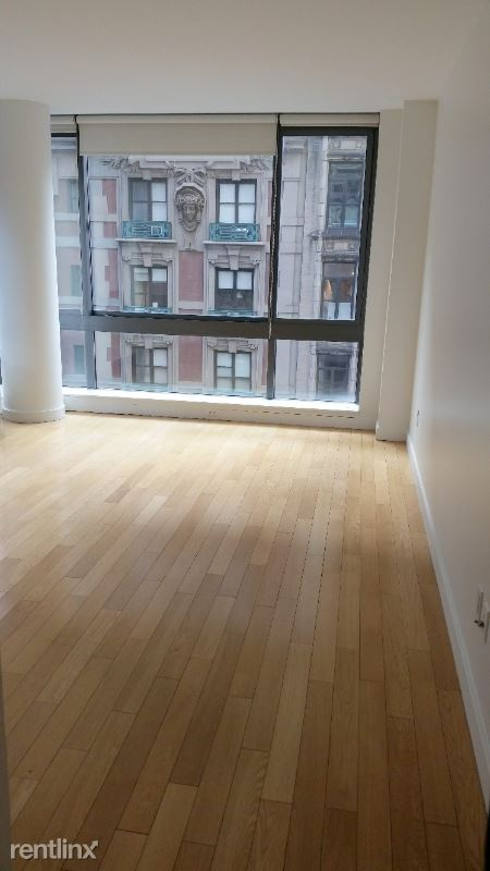 309 5th Ave, New York, NY - 4,800 USD/ month