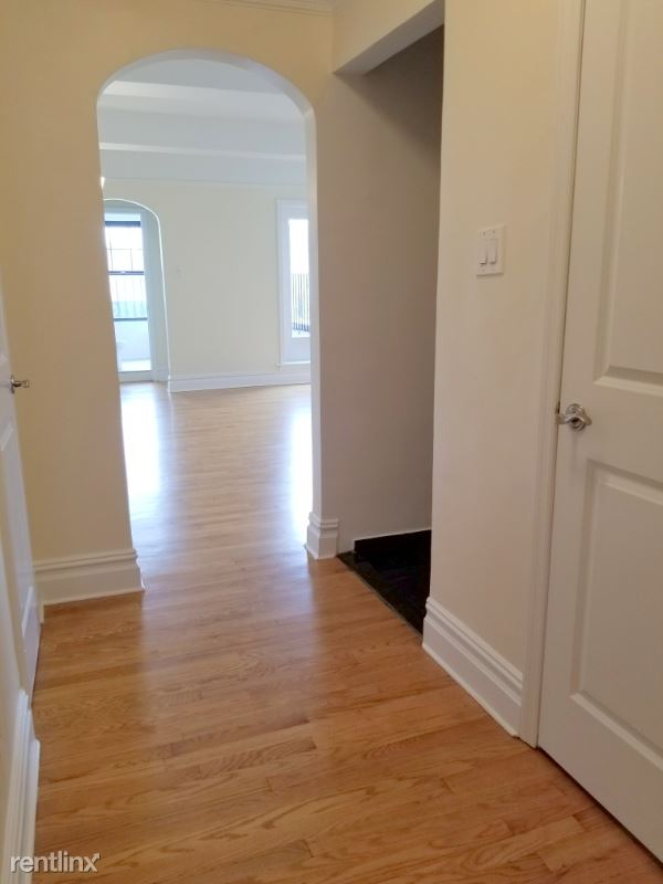 95 Christopher St, New York, NY - 3,600 USD/ month