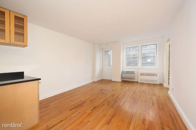101 W 15th St, New York, NY - 4,200 USD/ month