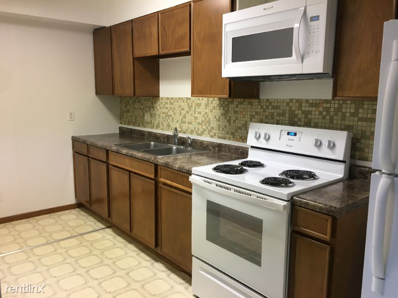 1206 14th Ave S #5, Grand Forks, ND - 575 USD/ month