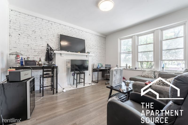 3245 W Fullerton Ave 2W, Chicago, IL - 2,350 USD/ month