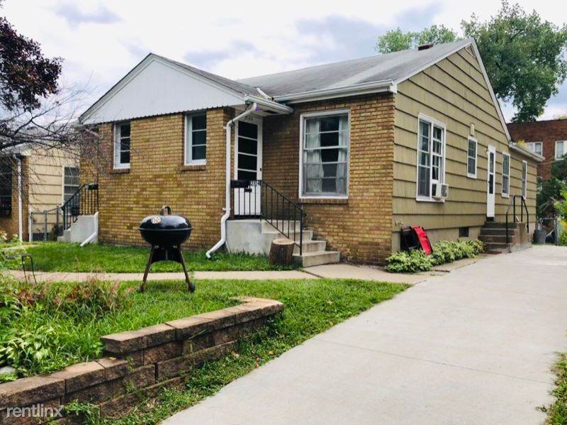 2104 Grand Ave S, Minneapolis, MN - 795 USD/ month