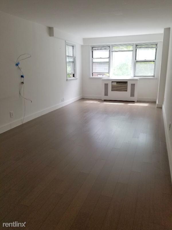 160 E 27th St, New York NY, New York, NY - 4,050 USD/ month