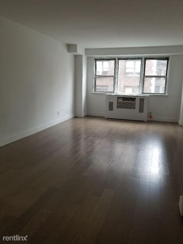 160 E 27th St, New York NY, New York, NY - 2,990 USD/ month