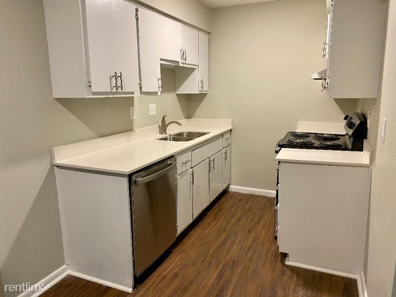 10302 W 62nd St B1, Shawnee, KS - 950 USD/ month
