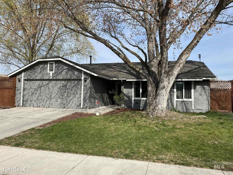 Glencrest Ave, Boise, ID - 2,150 USD/ month