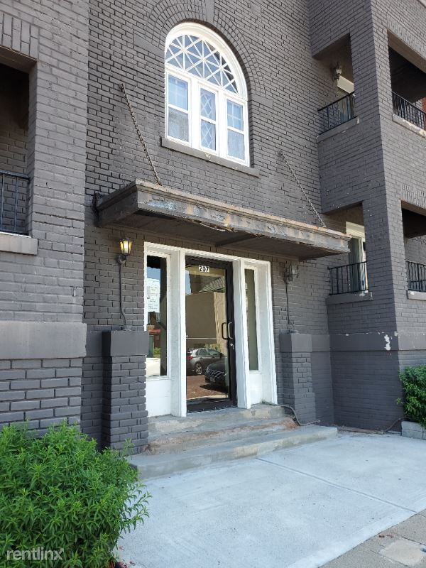 207 S 26th Ave, Omaha, NE - 900 USD/ month
