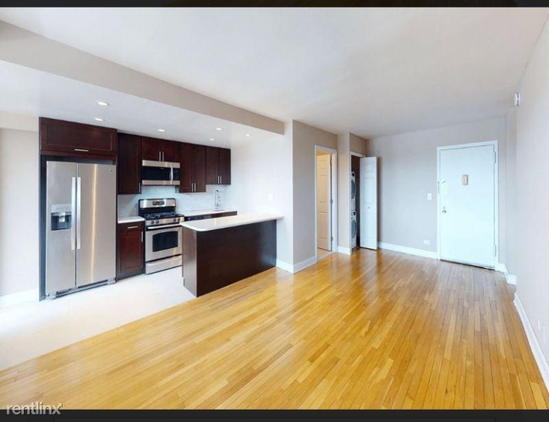 310 Greenwich Street, New York, NY - 6,095 USD/ month