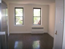 East 81st Street, New York, NY - 1,800 USD/ month