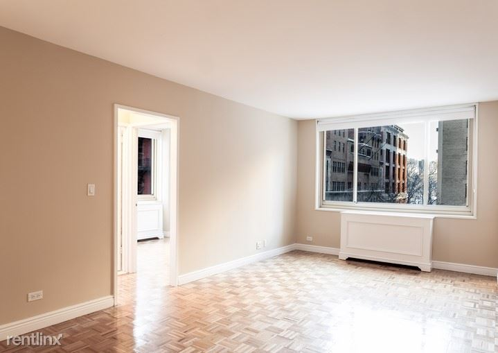 West 63rd Street, New York, NY - 6,100 USD/ month