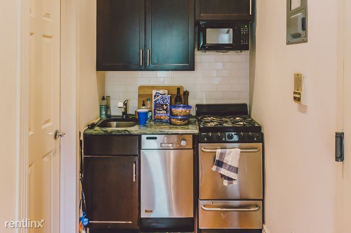East 84th Street, New York, NY - 2,000 USD/ month