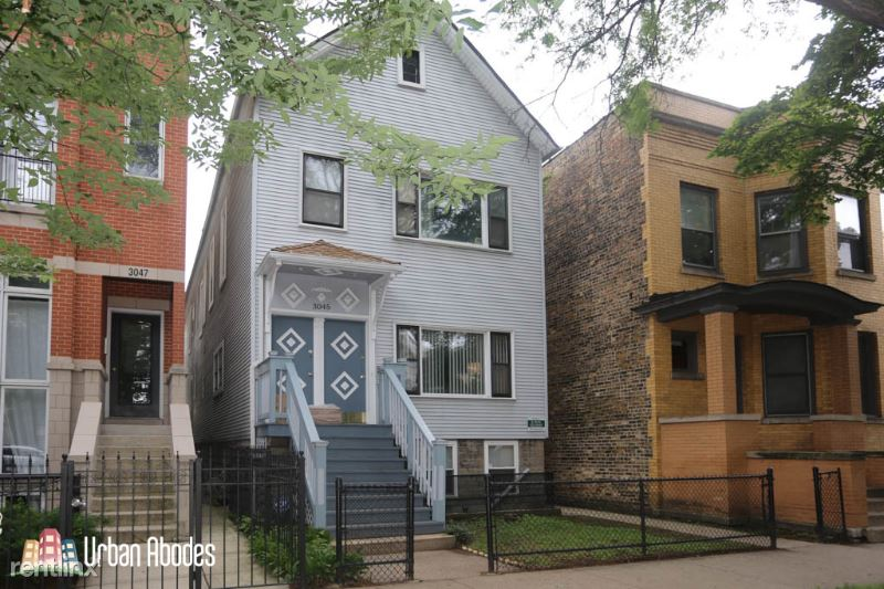 3045 N Racine Ave F2, Chicago, IL - 1,595 USD/ month