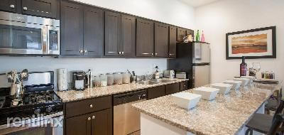 W Lawrence Ave, Chicago, IL - 1,988 USD/ month