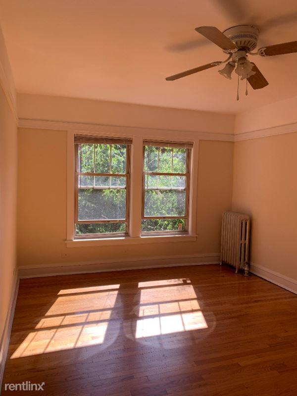 521 W Brompton Ave, Chicago, IL - 1,015 USD/ month