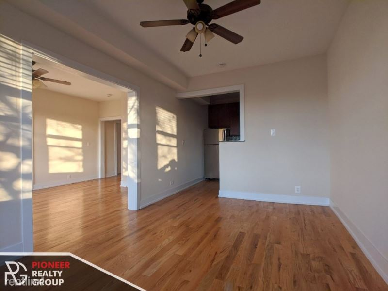 3517 N Racine Ave, Chicago, IL - 2,150 USD/ month