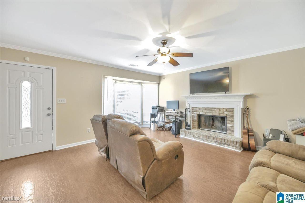 808 Jamestown Manor Park, Gardendale, AL - 850 USD/ month