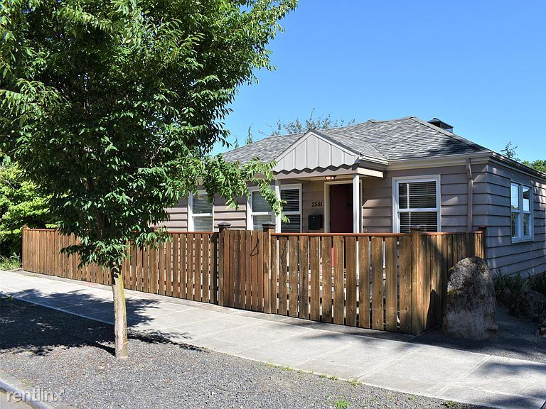 2501 NW Overton St, Portland, OR - 1,000 USD/ month