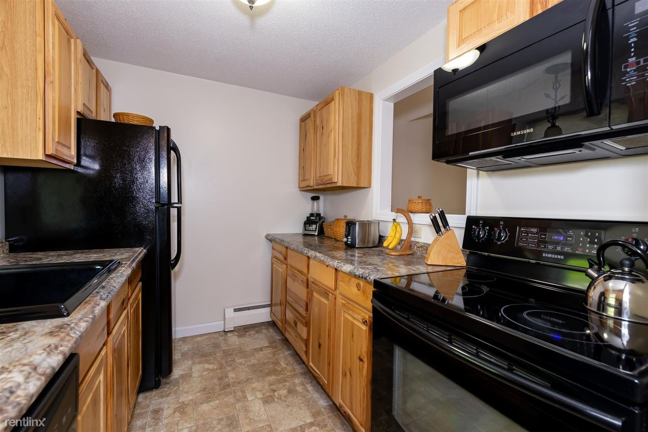 18 Vinton Dr, Concord, NH - 845 USD/ month
