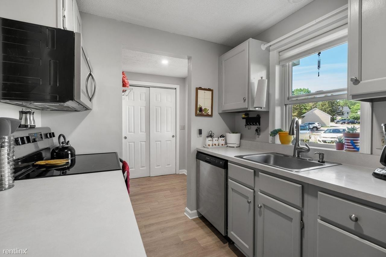 34 Whitewater Dr # 34, Concord, NH - 850 USD/ month
