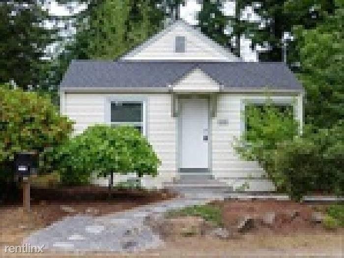 12730 17th Ave NE, Seattle, WA - 1,000 USD/ month