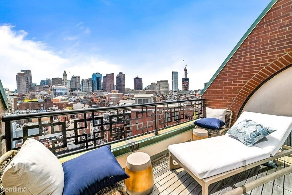 300 Commercial St Apt 903, Boston, MA - 900 USD/ month