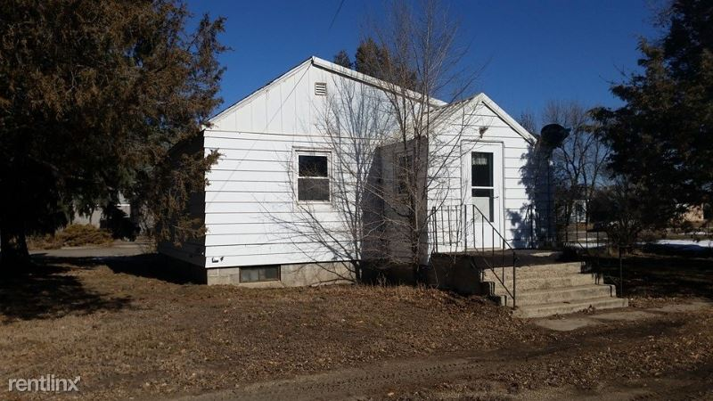 622 3rd Ave E, Culbertson, MT - 900 USD/ month