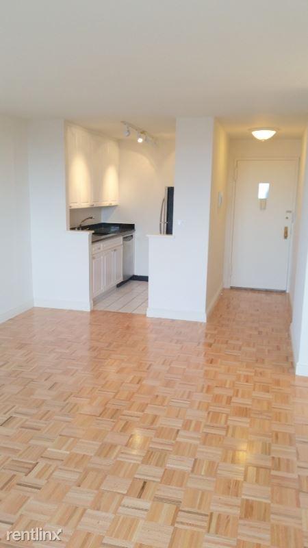 200 E 94th St, New York, NY - 3,440 USD/ month