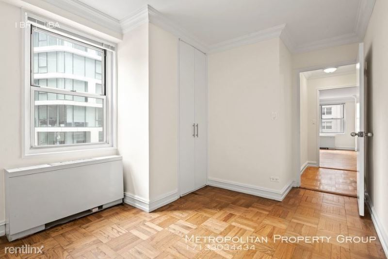 888 8th Ave, New York, NY - 3,495 USD/ month