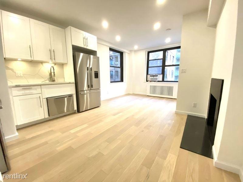 160 E 48th St, New York, NY - 5,042 USD/ month
