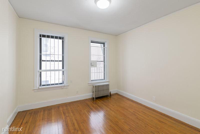 711 2nd Ave, New York NY 2A, New York, NY - 1,833 USD/ month