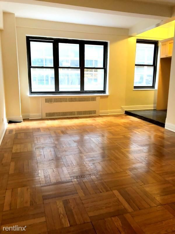 141 E 56th St 6B, New York, NY - 1,916 USD/ month