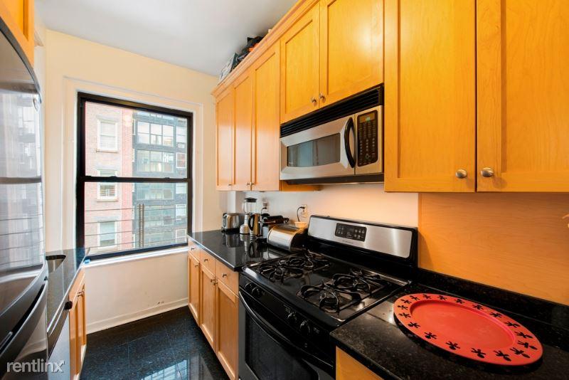 111 E 80th St 8A, New York, NY - 8,340 USD/ month