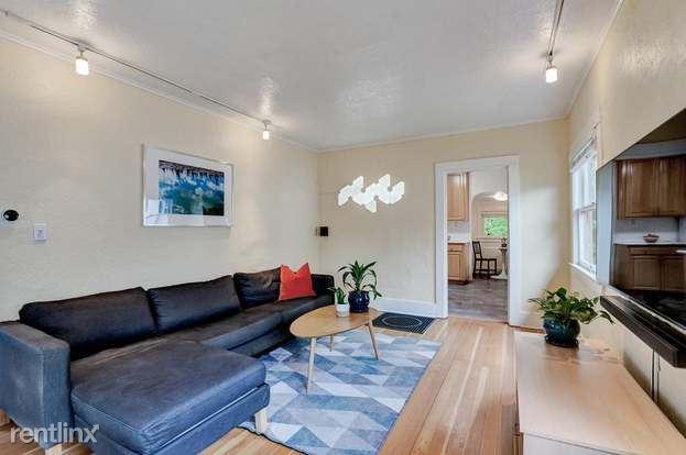 227 NE 75th Ave, Portland, OR - 1,350 USD/ month