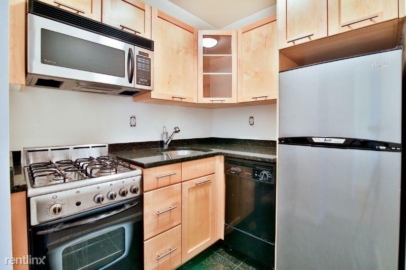 236 E 36th St 4B, New York, NY - 1,921 USD/ month