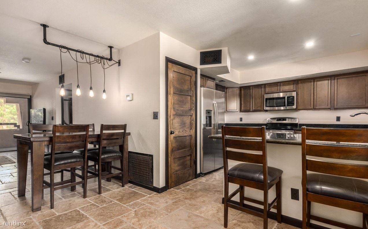 12212 N Paradise Village Pkwy S Apt 408, Phoenix, AZ - 900 USD/ month
