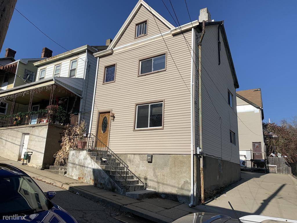 229 Kramer Way, Pittsburgh, PA - 1,395 USD/ month